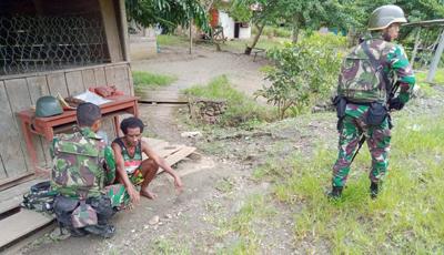 Masyarakat Desa Ampas Mendapatkan Bantuan Kesehatan Dari Satgas Pamtas Yonif Raider 300 BJW 2
