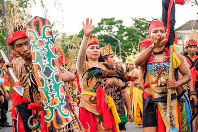 Budaya Suku Dayak Ditampilkan Pada Festival Budaya Isen Mulang 2019 1